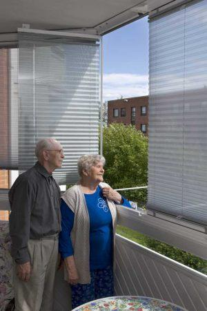 retractable-glass-walls-blind-systems-0016