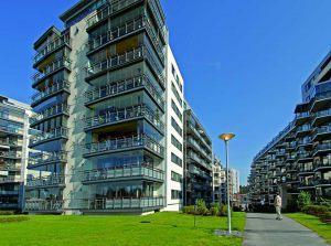 retractable-glass-walls-condos-hotels-balconies-0015
