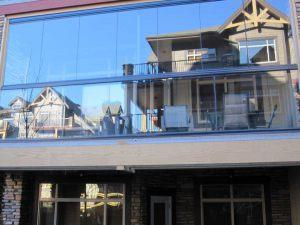 retractable-glass-walls-condos-hotels-balconies-001