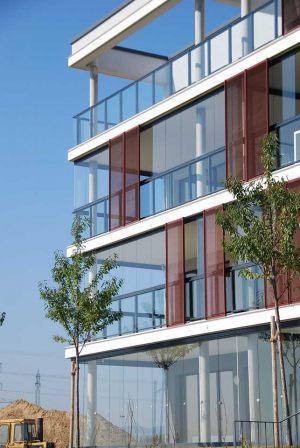 retractable-glass-walls-condos-hotels-balconies-0026