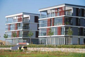 retractable-glass-walls-condos-hotels-balconies-0027