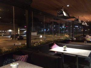 retractable-glass-walls-restaurants-002