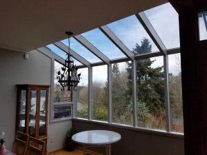 glass-sunroom-breakfast-nook-02